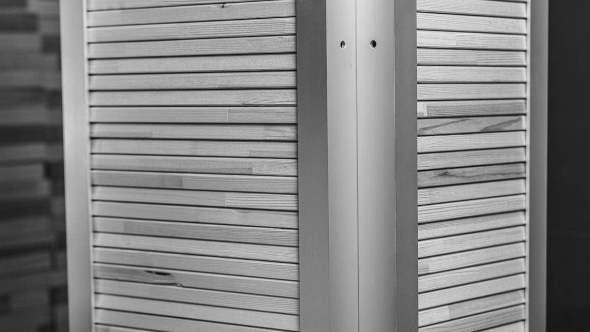 Stacked Bars in the Underpinner MHP VPLUG. | | Aufgebarte Leisten in der Rahmenfügemaschine MHP VPLUG.